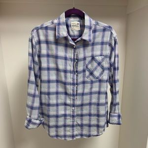 Plaid AMERICAN EAGLE button-up shirt!